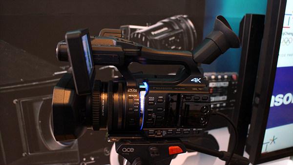 HC-X1000 4K 캠코더