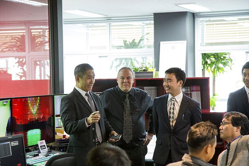 Dae Choe ROSS 아시아 세일즈 부사장 (좌측)