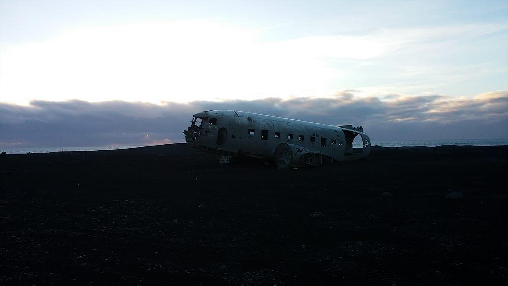 플레인 렉(Plane Wreck). 미군 해군 수송기 DC-3가 불시착한 곳을 관광 자원화 했다. 다행히 모든 탑승자가 살아남았다고.