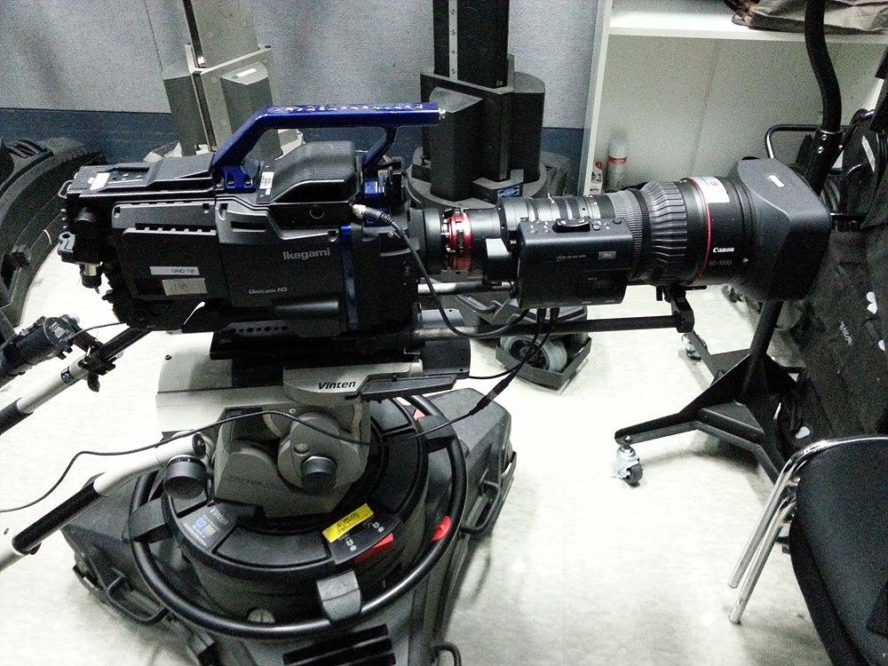 그림 4. CAM 1번 : Ikegami 카메라(HDK-97ARRI) 28-340mm(Angeunieux) PL, 50-1000mm(Canon) PL