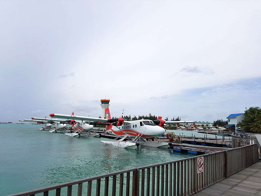 리조트까지 가는 수상비행기