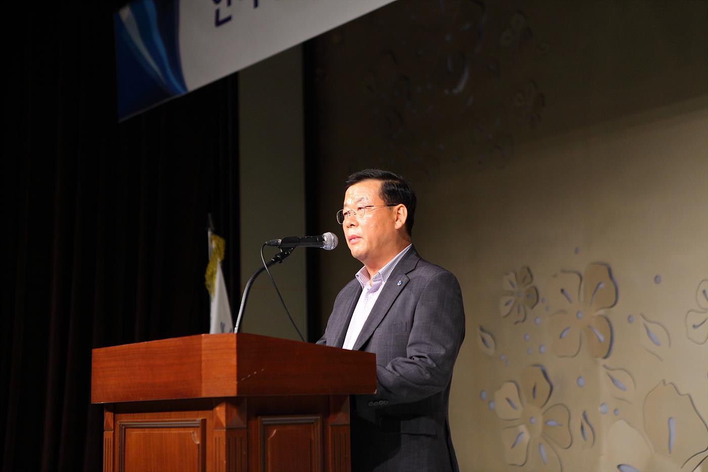박병렬 KBS 제작기술본부장에서 방송 환경 변화와 이에 대한 대처를 요청했다