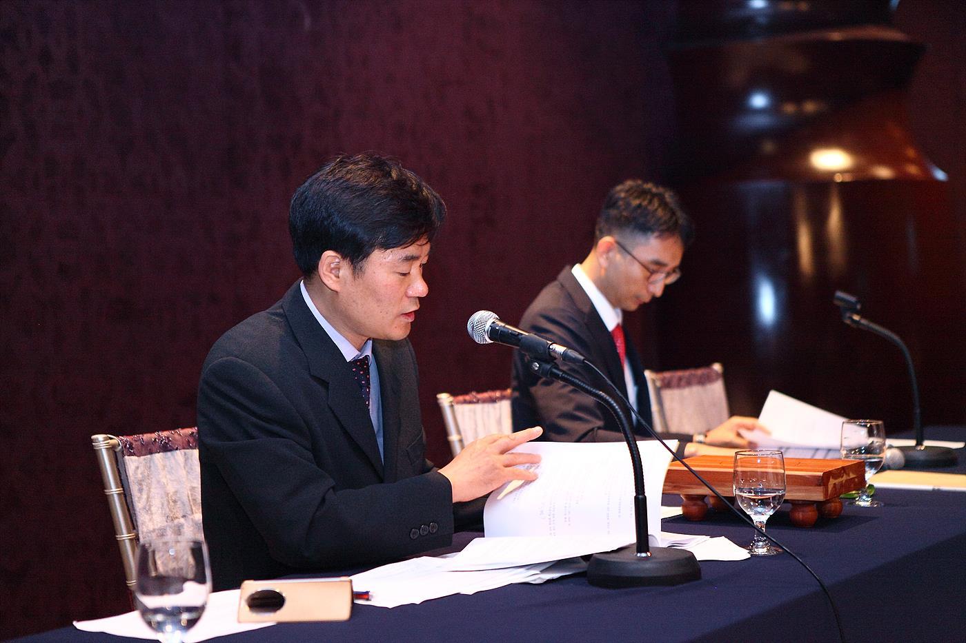 25대 사업목표를 발표 중인 박재석 연합회 사무처장