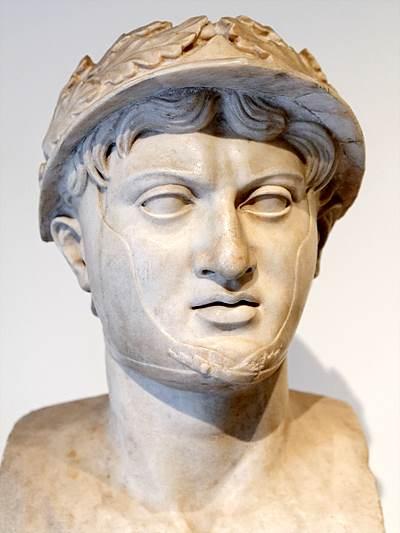 피로스(그리스어: Πύρρος, Pyrros, 기원전 319년 ~ 기원전 272년) / 출처 : www.wikiwand.com