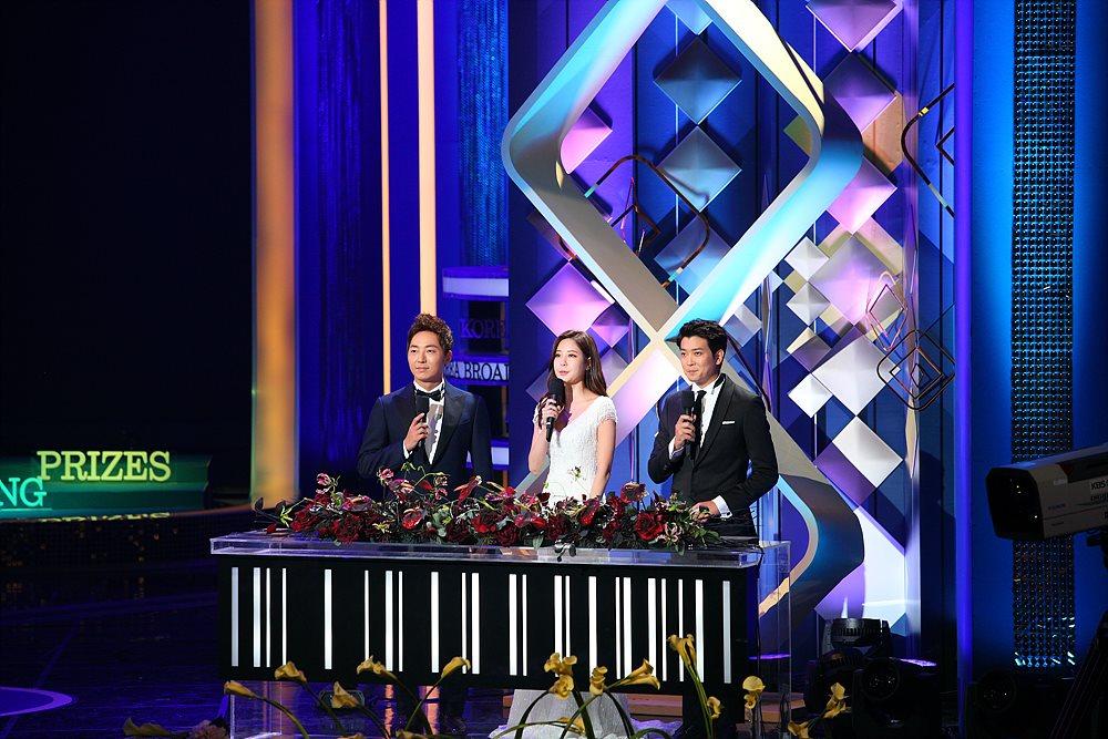 진행을 맡은 KBS 이현주, MBC 이성배, SBS 최기환 아나운서 (왼쪽부터)