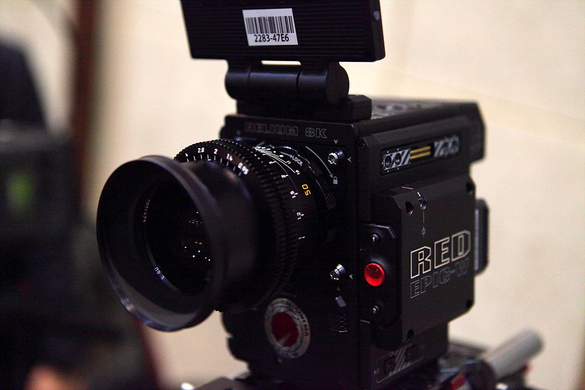 RED HELIUM 8K 카메라와 Leica M 0.8 렌즈