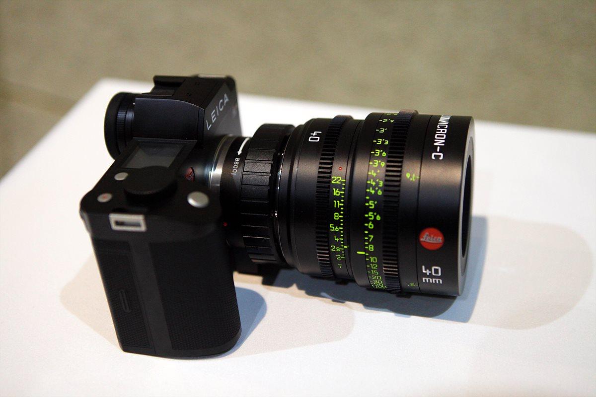 LEICA SL 미러리스 카메라와 Summicron-C 40mm 렌즈
