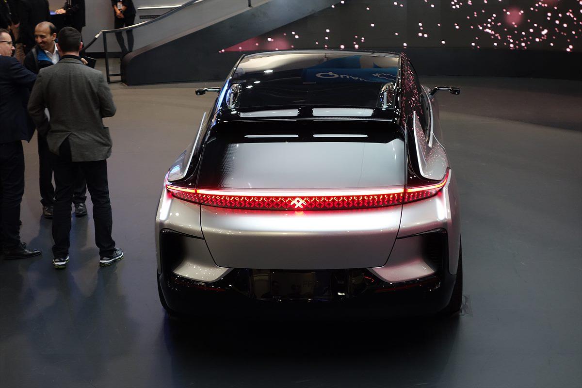 ▲ 패러데이퓨처의 전기자동차 - '연비나 가속 성능 면에서 테슬라를 앞선다'라고 공언했던 FF19 모델
