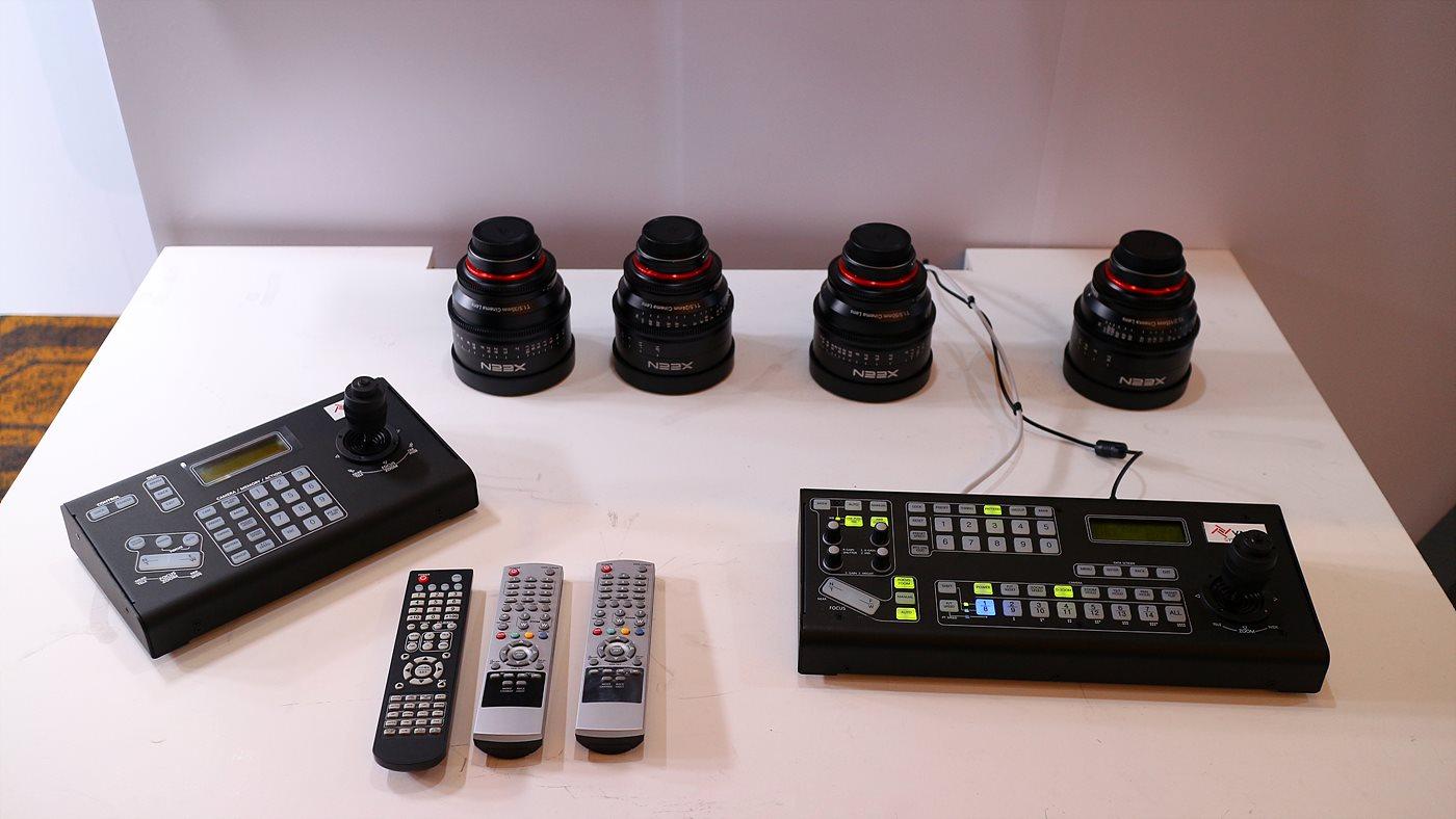 삼양의 XEEN 시네마 렌즈와 YNM SYSTEMS의 RM-KA200 PTZ 카메라 컨트롤러
