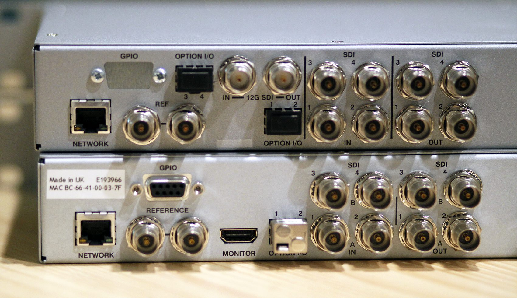 UHD1200_power_off_back