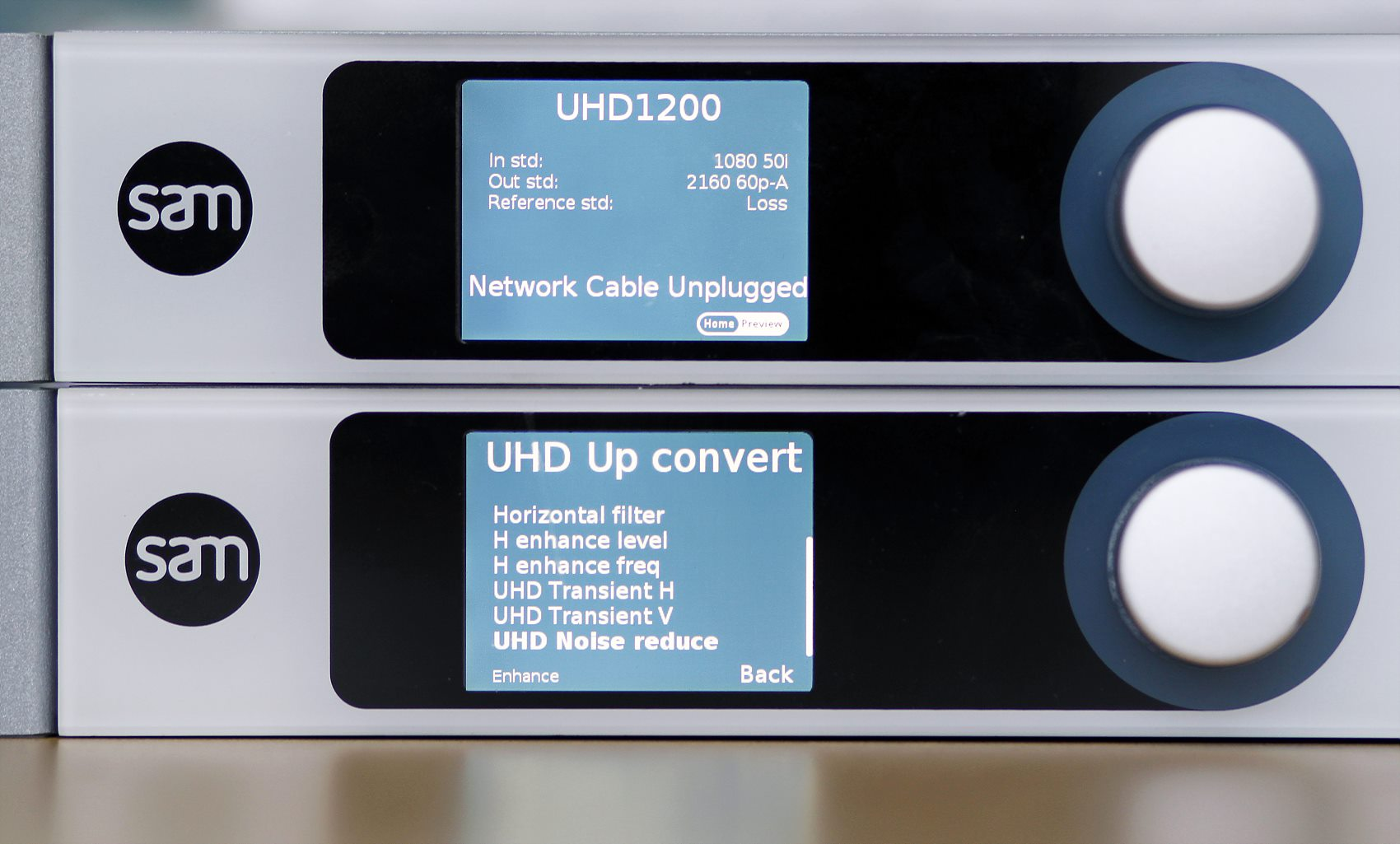 UHD1200_power_on_front