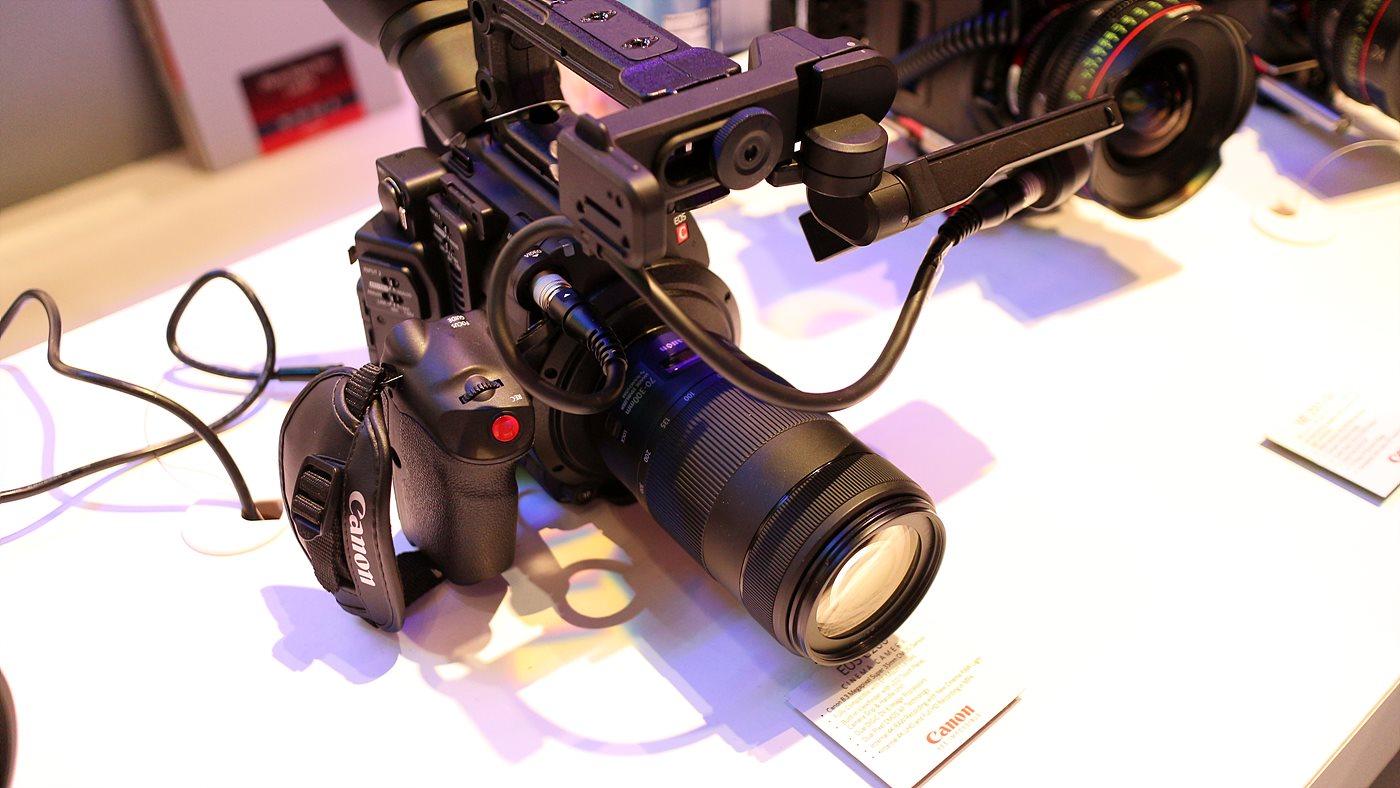 EOS C200 시네마 카메라