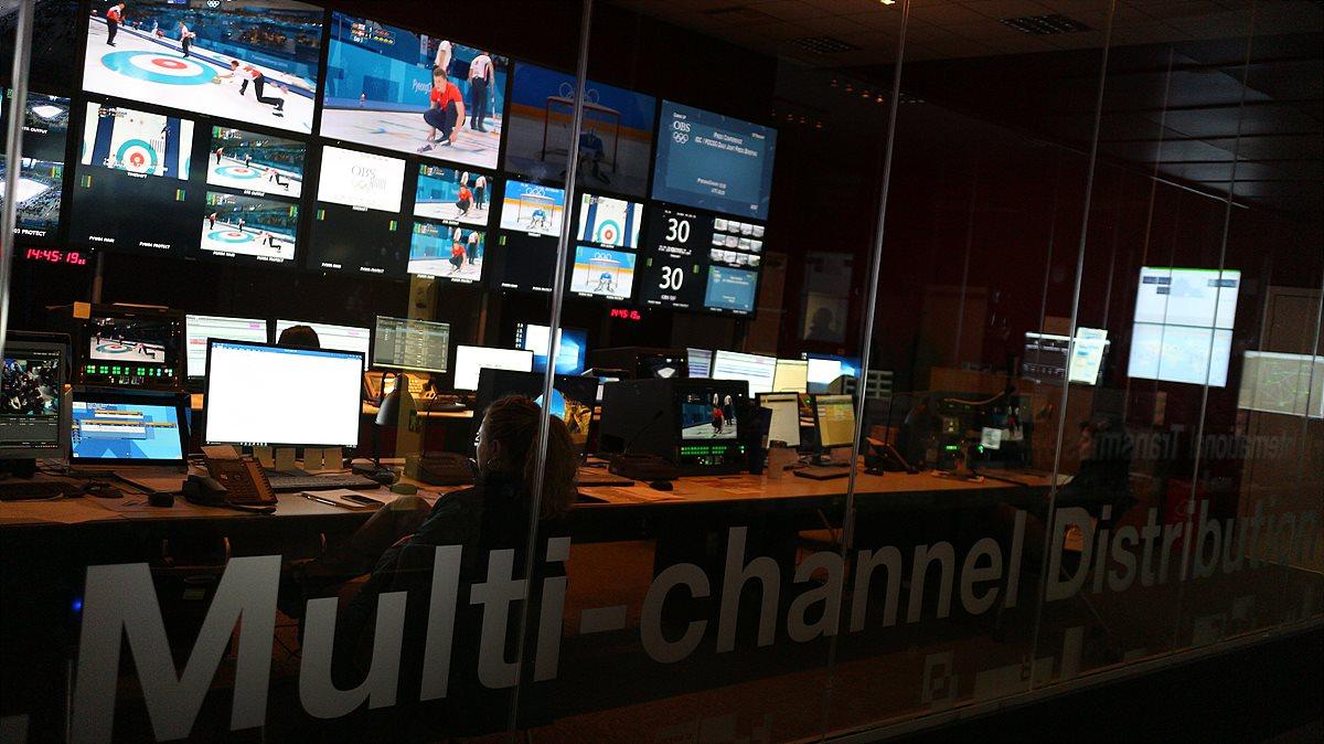 각종 제작된 국제신호가 세계의 방송사로 송출되는 OBS Tech