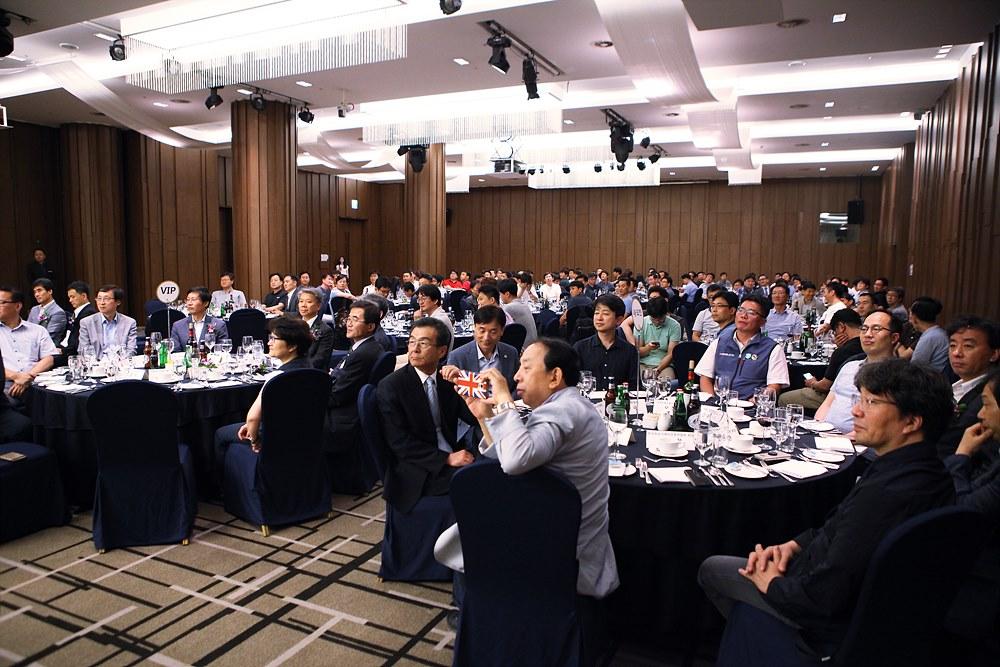 이취임식에 참석한 관련 단체장과 연합회원들