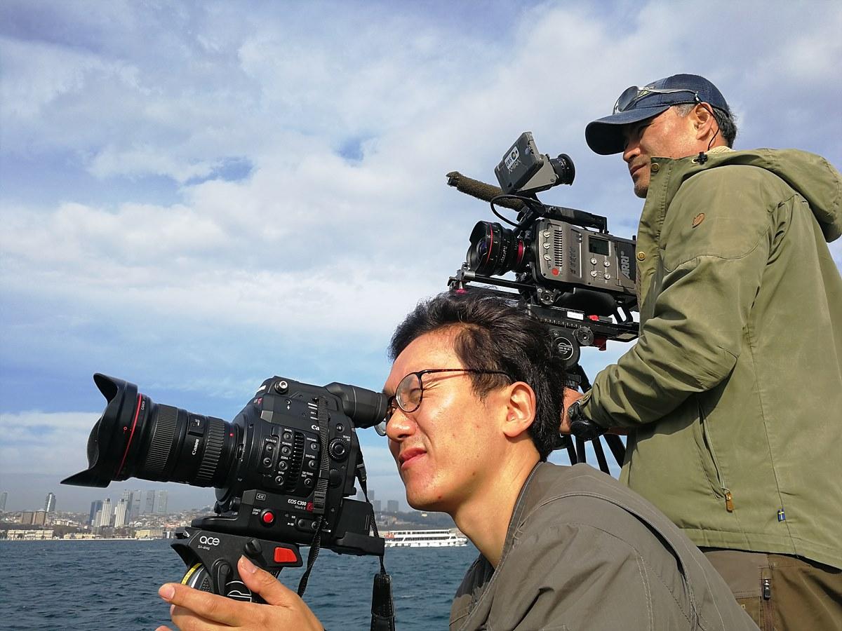 터키, 보스포러스 해협에서 촬영 중인 김용 촬영감독과 홍석훈 촬영감독