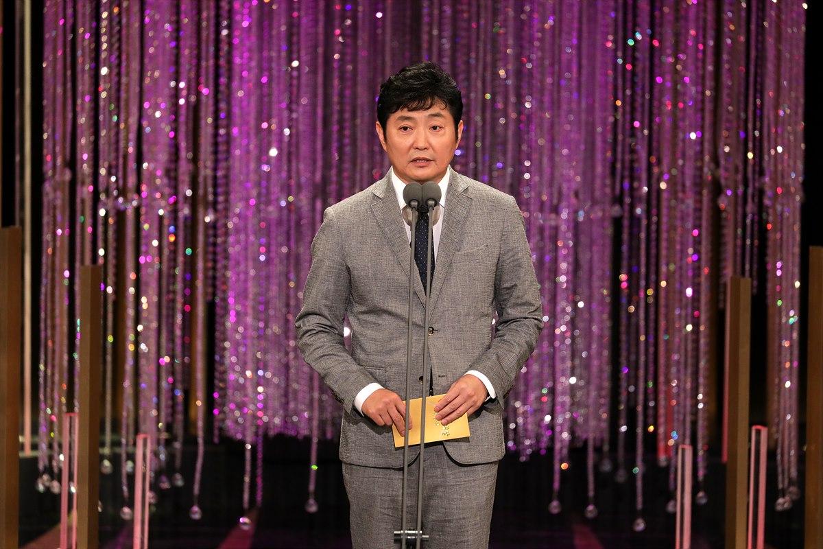 대상 수상자를 발표하고 있는 박정훈 한국방송협회장(SBS 사장)