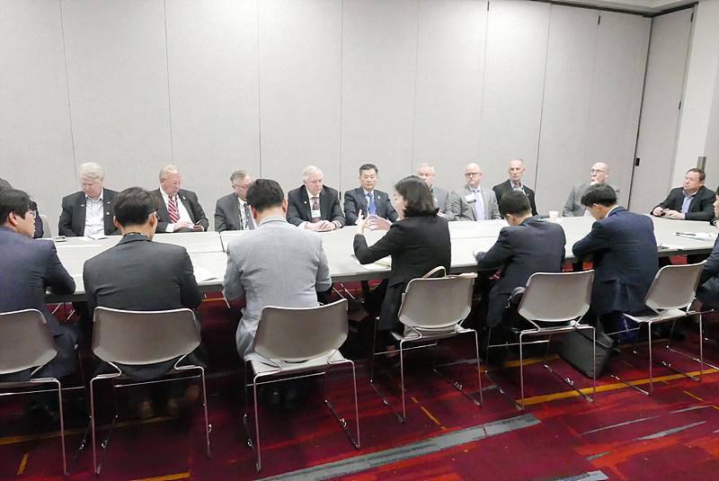NAB, ATSC, 방송통신위원회, 한국방송기술인연합회 등 면담 진행 장면