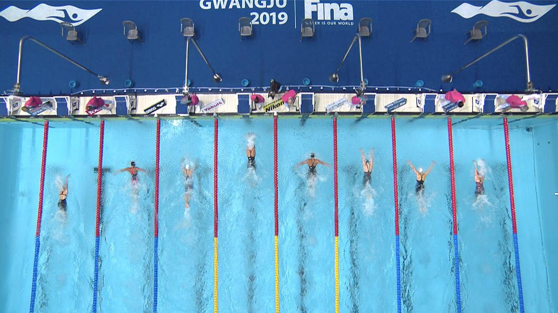 그림 4. 경영과 아티스틱 수영에 투입된 와이어 카메라(Wired Camera). 와이어 카메라 (왼쪽), 카메라 영상 (오른쪽)