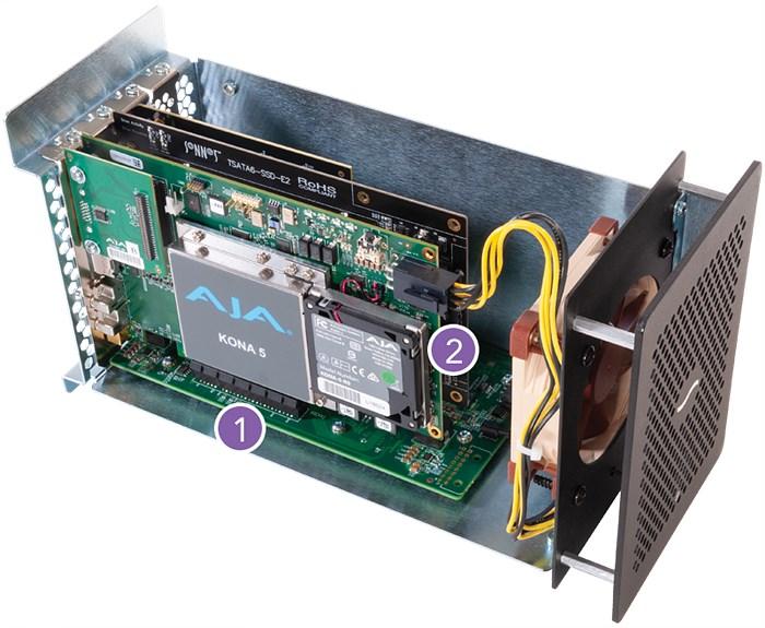 ① 총 3개의 PCIe 슬롯 제공 ② 6핀의 보조전원 제공