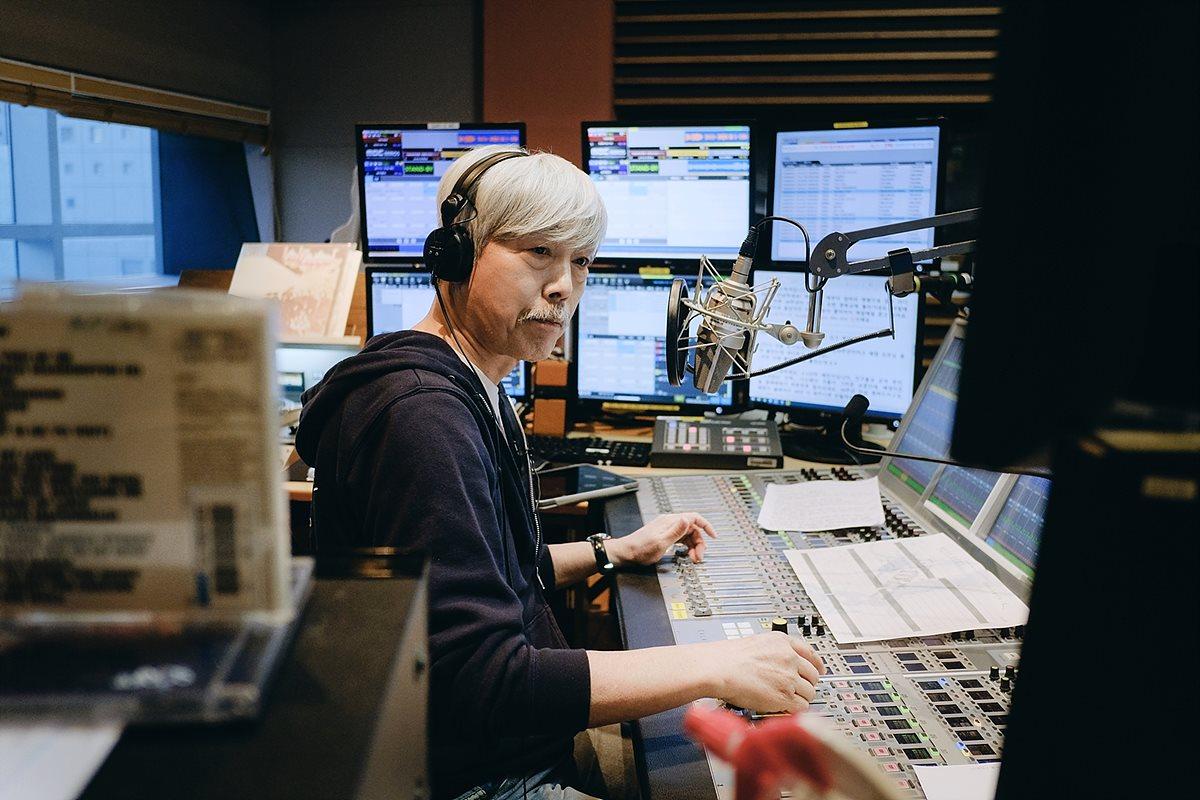 배철수의 음악캠프 30주년 생방송 'Into the Music Camp'에서 최초 공개된 스튜디오 내부