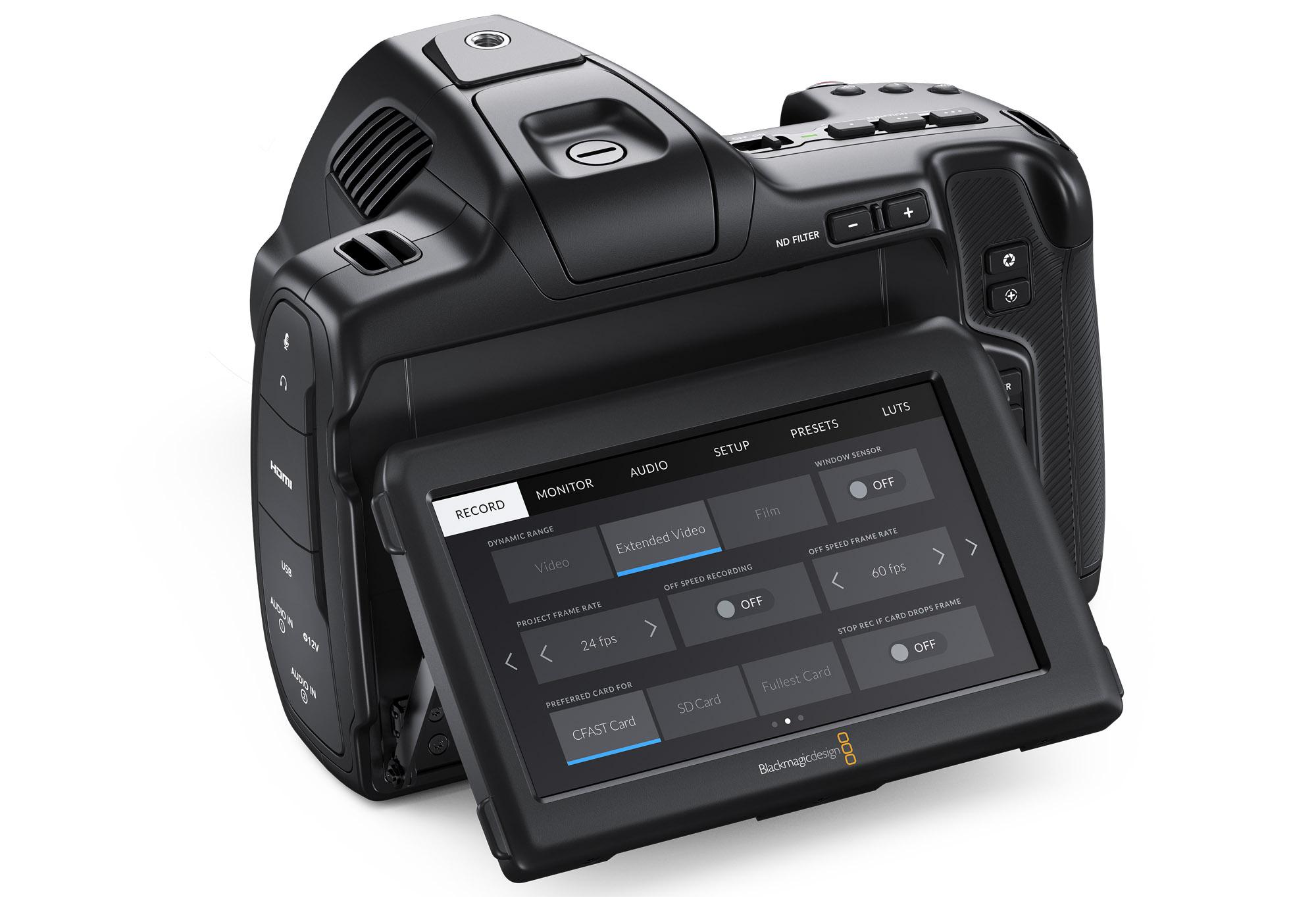 틸트형 HDR LCD 탑재